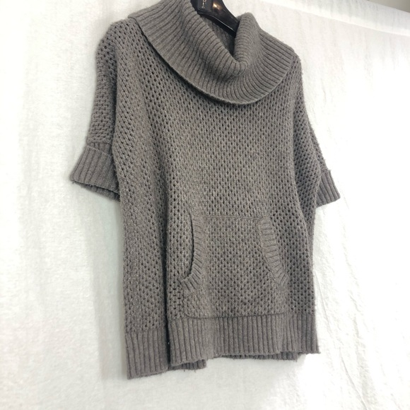 BCBG short sleeve knit sweater